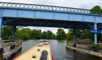 Approaching Cookham lock