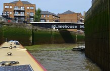 entering Limehouse Lock