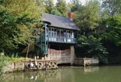 boat house Thames